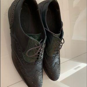 Beautiful very rare Aldo shoes size 11